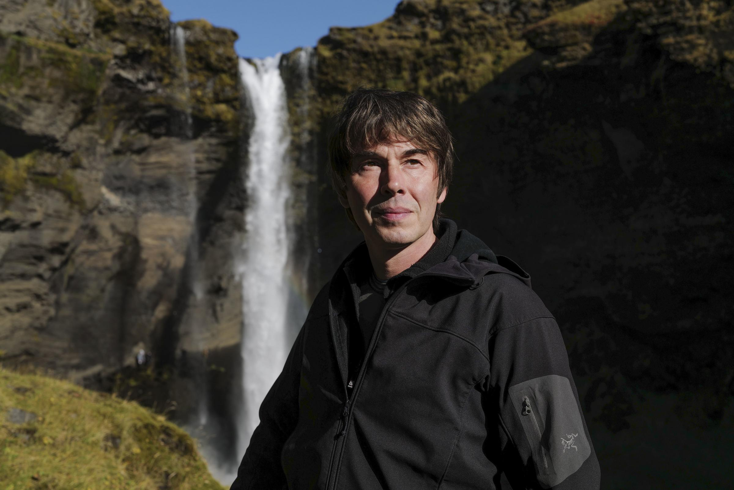 Profesor Brian Cox kembali dengan serial BBC baru Universe