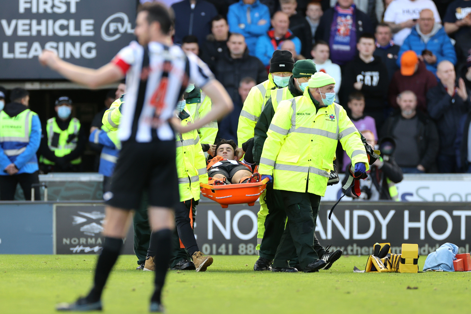 Bos St Mirren Jim Goodwin mengeluarkan pembaruan cedera pada gelandang Jamie McGrath
