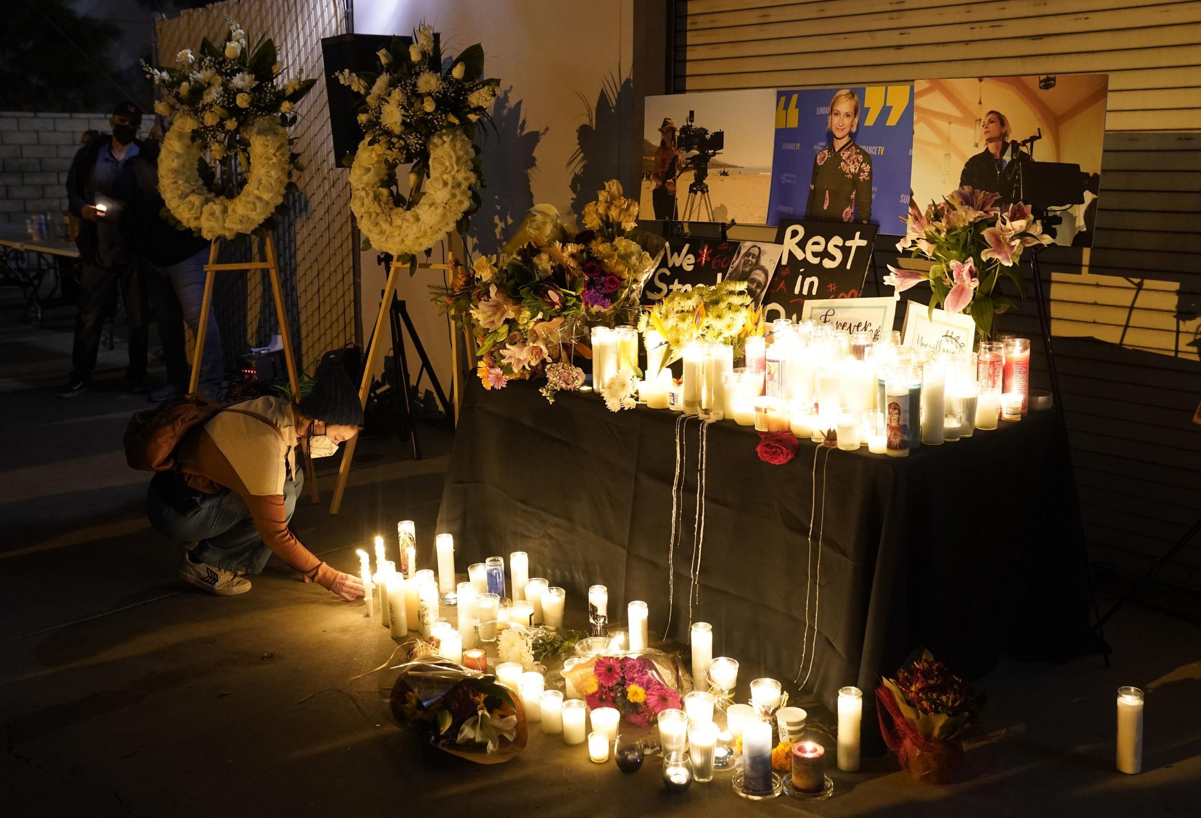 Alec Baldwin 'tuvo cuidado con las armas antes de un tiroteo fatal'