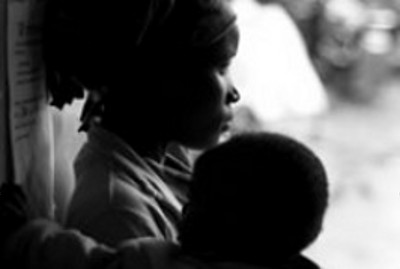 A Nairobi mother and her baby (Colin Templeton)