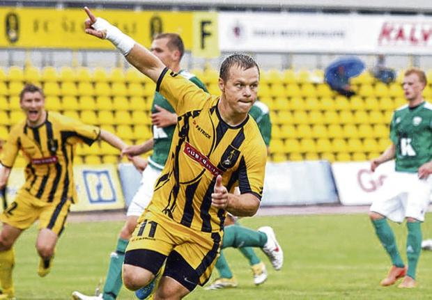 Arturas Rimkevicius will arrive in Edinburgh in the coming days to train with Hearts ahead of a potential move
