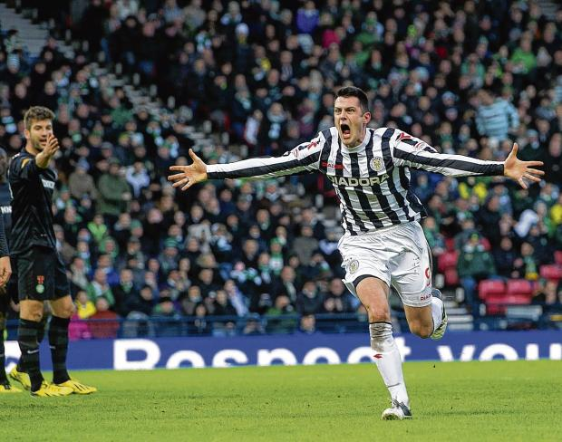 Stephen Thompson celebrates after putting St Mirren 3-1 ahead against Celtic at Hampden