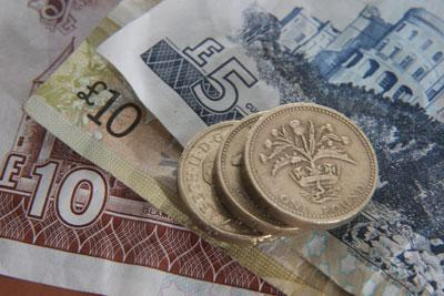 Fiscal Commission advocates currency union with England after independence