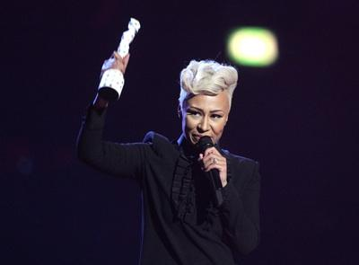Scotland's Emeli Sande steals the show at the Brits