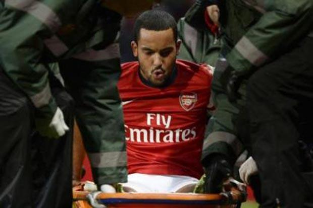 Wenger: Walcott will return from knee injury as strong as ever