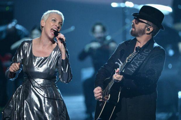 Eurythmics in Beatles tribute