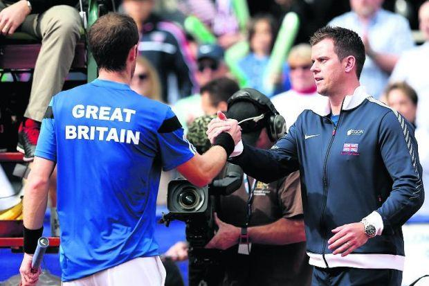 Leon Smith congratulates Andy Murray after the Scot's victory over Sam Querrey on Sunday