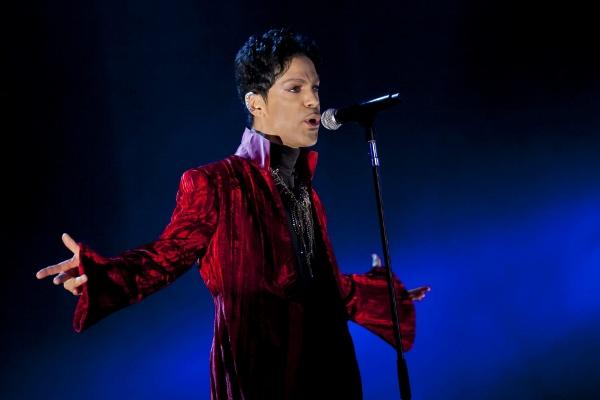Prince plays to crowd of 300 in secret London gig