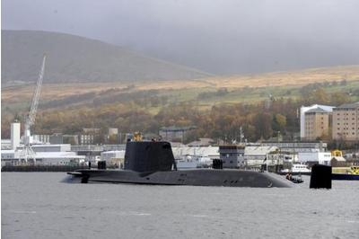 Faslane workers vote to strike in row over pay