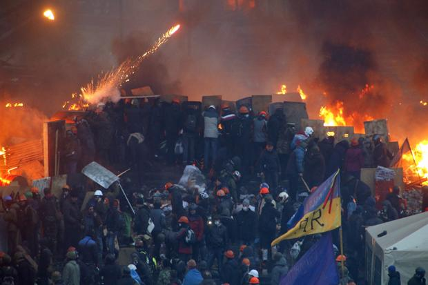 In Pictures: Protesters wage deadly battle with police in Kiev
