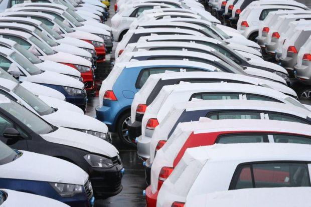New car sales on the road to a summer high