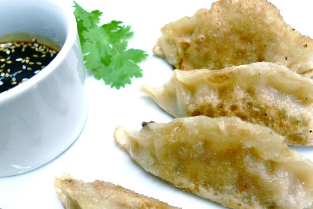 Vic's Vegan Kitchen: pot stickers with tamari and sweet chilli dipping sauce