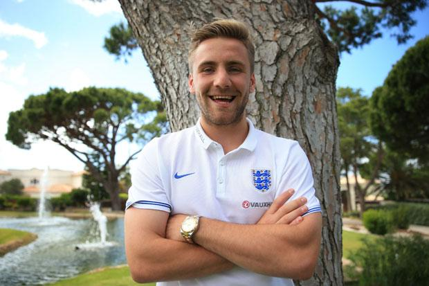 Luke Shaw confirms £27m move to Man United