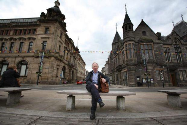 In Perth, Alan Taylor finds uncertainty over the forthcoming independence referendum, while folk singer Sheena Wellington in Dundee is wholeheartedly behind the Yes campaign. Photographs: Steve Cox