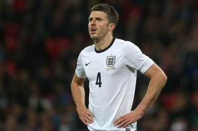 Ankle injury sidelines Man Utd's Carrick for three months