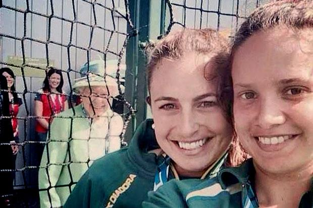 Right Royal selfie: Australian hockey player photobombed by Queen