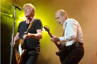 Status Quo's Parfitt recovering after heart surgery