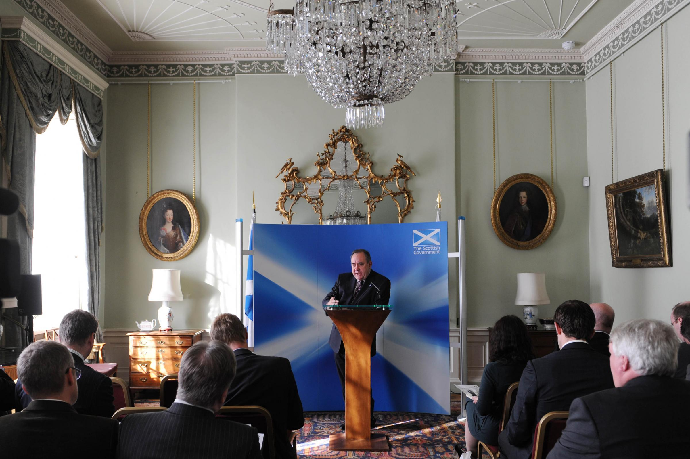 Chandelier in First Minister's official residence 'may have been looted from Nazi Germany'