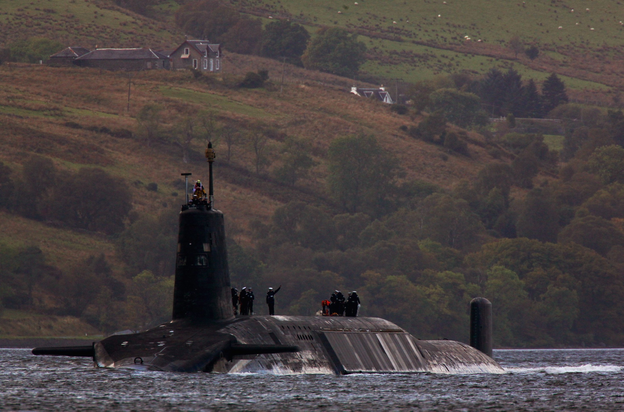 Sir Michael Fallon announces new £3.6m submarine training school on Clyde, which becomes UK's sub-hub from 2020