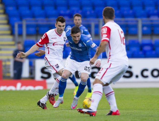 11/08/15 LADBROKES PREMIERSHIP   ST JOHNSTONE v ROSS COUNTY (1-1)   MCDIARMID PARK - PERTH   St Johnstone's Michael O'Halloran (centre) is tracked by Ross County's Richard Foster (right) (39297756)