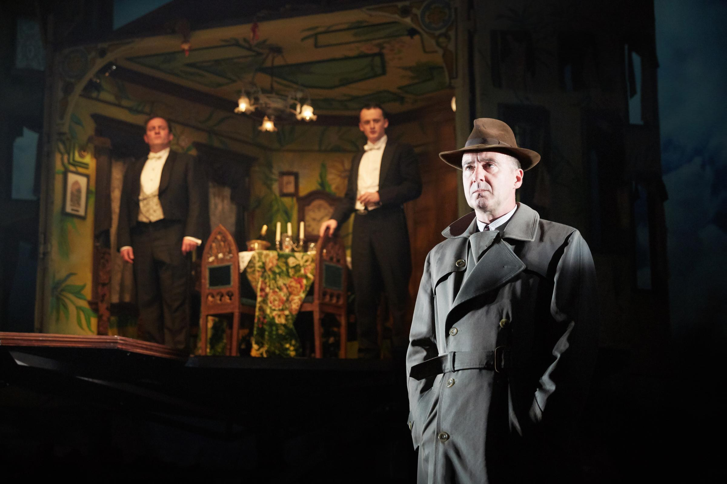 a review of the drama an inspector calls