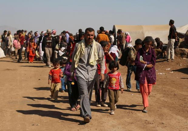 Fifteen Syrian families fleeing camps on the war-torn country's borders will be given refuge on the isle of Bute