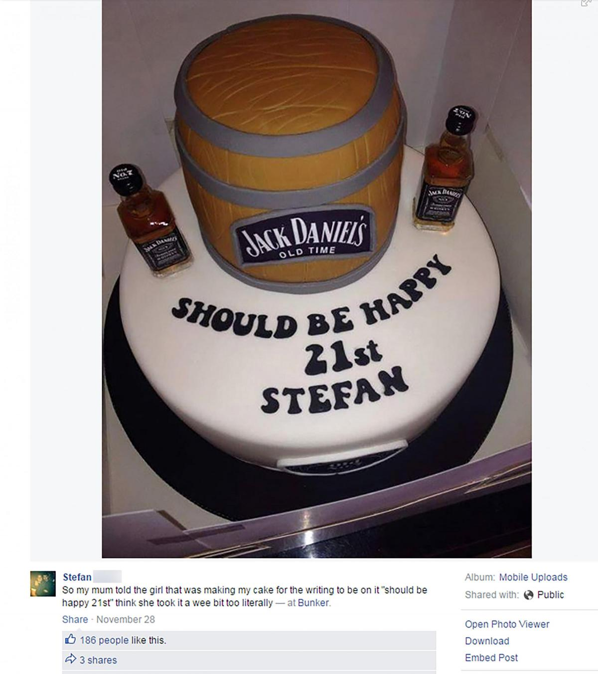 Cake Fail Mum Left Speechless After Makers Types Text Conversation Onto 21st Birthday