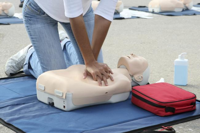 About half of people in Scotland do not feel confident administering CPR