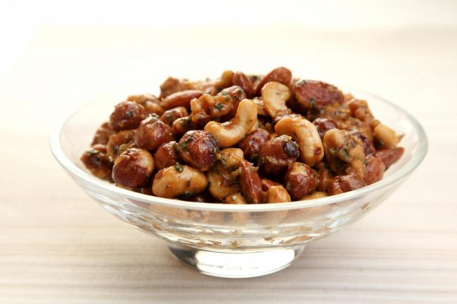 Warm sweet and spicy bar nuts (54294386)