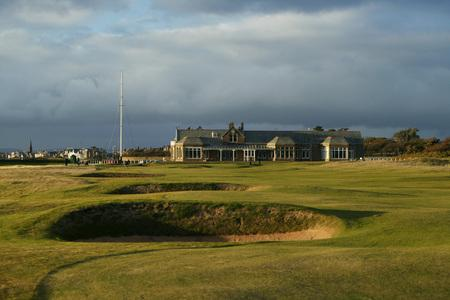 Bomb disposal unit called to Royal Troon after devices found