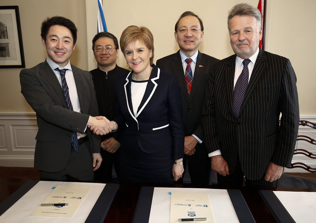 Scotland will work with Chinese partners to bring about infrastructure projects with a potential value of £10 billion following the signing of an agreement by First Minister Nicola Sturgeon.