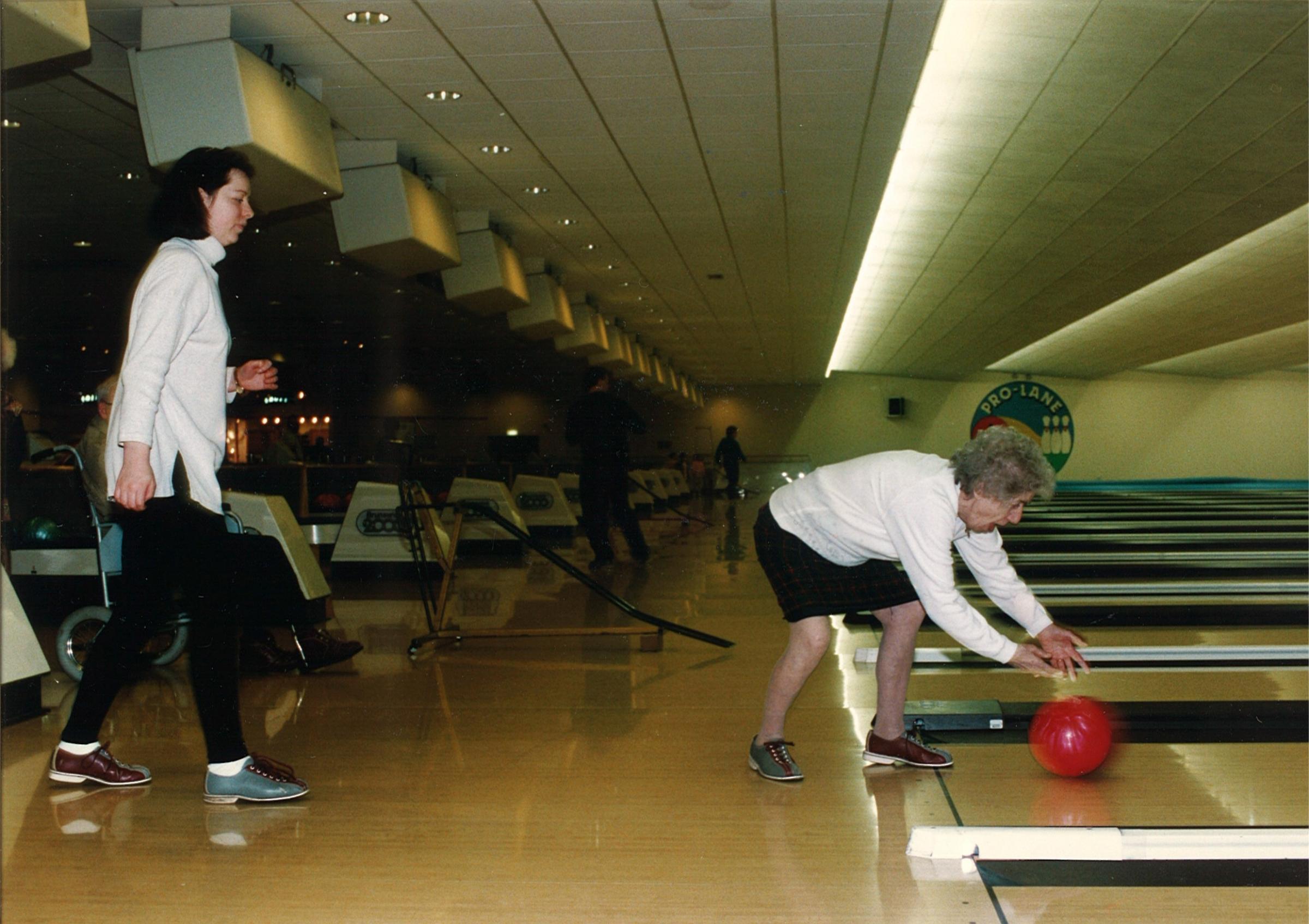 Ten pin bowling east kilbride