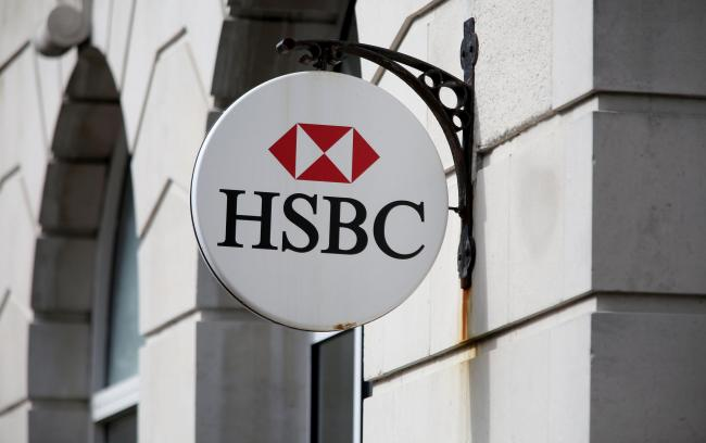 Claims HSBC to move 1000 London to Paris if UK exits single