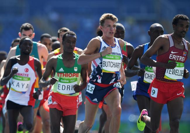Andrew Butchart breezes through round one of the Olympic 5,000m in Rio de Janeiro. Picture: Getty