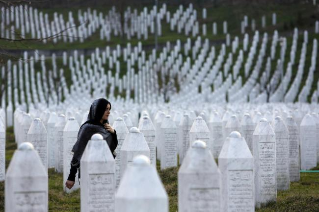 srebrenica massacre ile ilgili görsel sonucu
