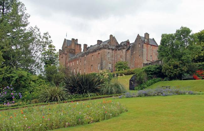 Brodick Castle would be 'defenceless' against blaze, new report finds
