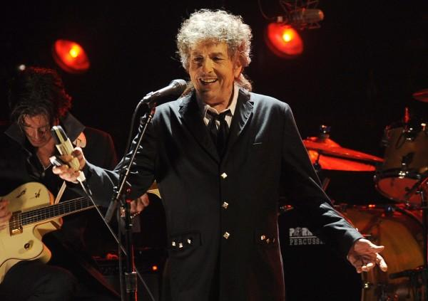 Dylan biographer speaks out over Nobel Prize snub claims