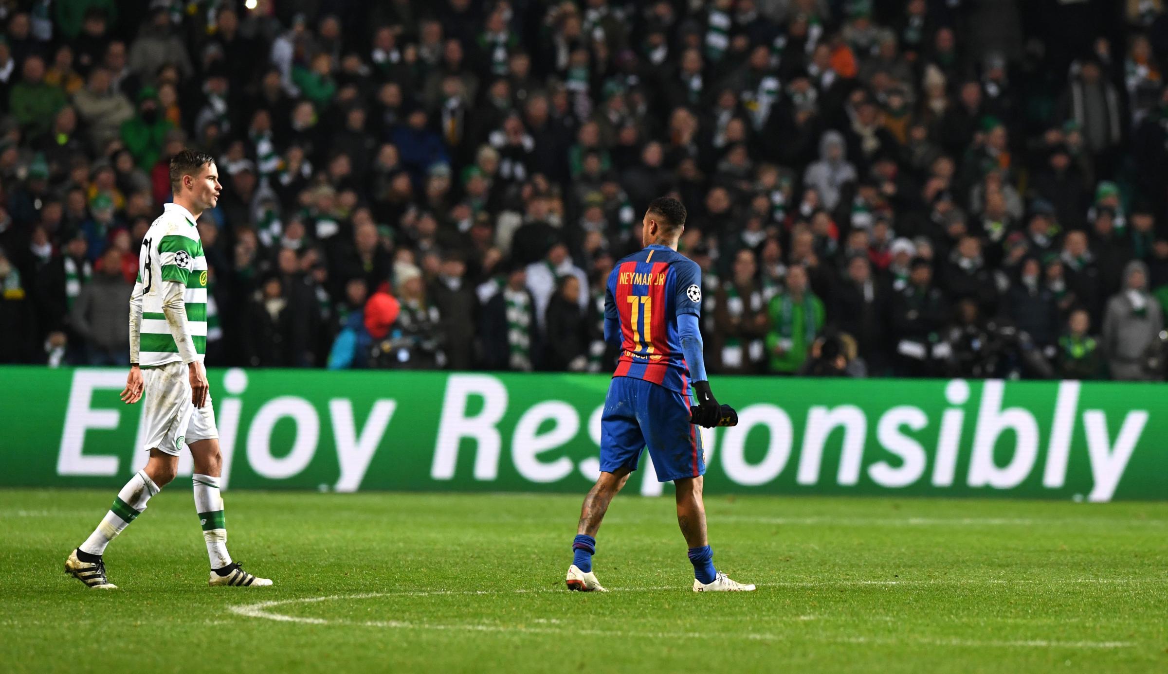Neymar, al ser sustituido.