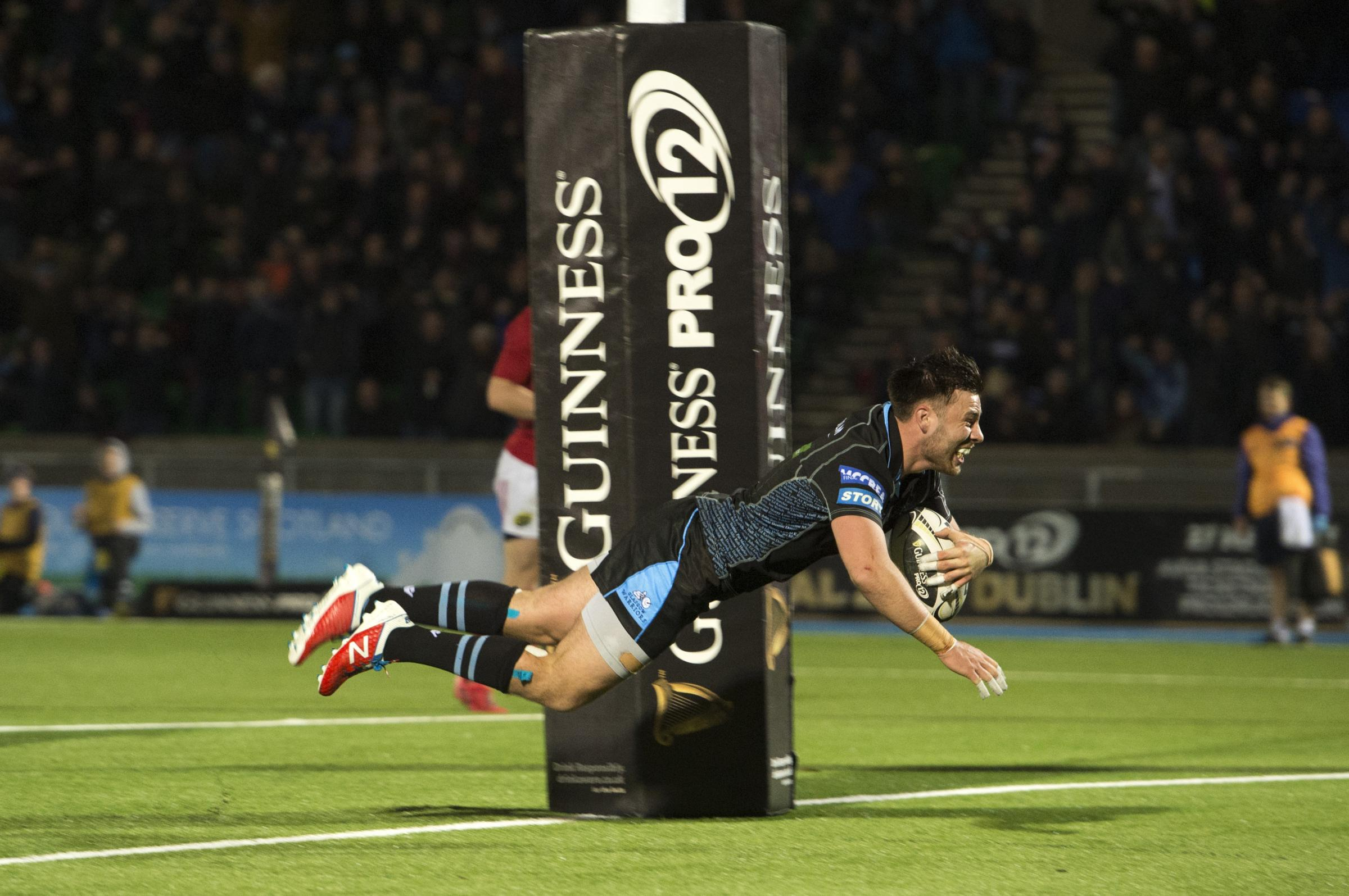 02/12/16 GUINNESS PRO12  .  GLASGOW WARRIORS v MUNSTER  .  SCOTSTOUN STADIUM - GLASGOW  .  Glasgow Warriors' Ali Price scores his side's first try.