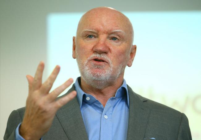 Businessman Sir Tom Hunter is warning that Brexit poses problems for the SNP's independence ambitions