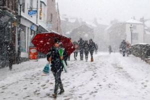 Met Office warns of snow and hail as Arctic blast set to sweep country