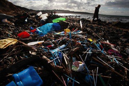 Scotland 'leading the way' in tackling marine litter, says Nicola Sturgeon