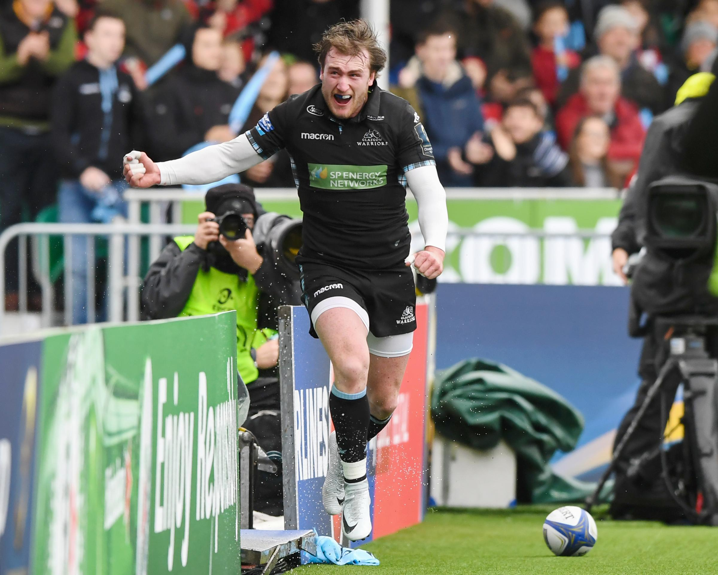 Ya dancer - Stuart Hogg celebrates scoring the try that briefly gave Glasgow a seven point lead