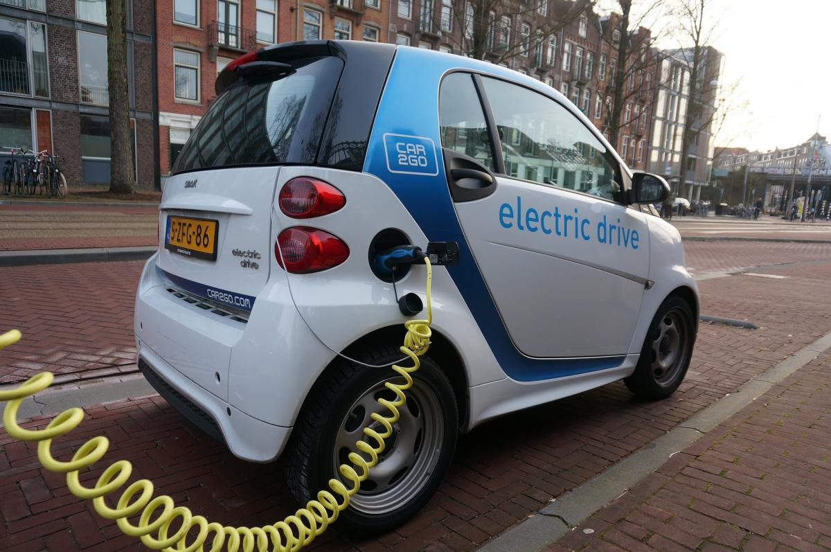 Scots Drivers Are In The Fast Lane To Electric Cars