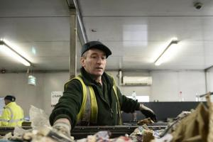 Video: Take a look inside the recycling plant in Glasgow