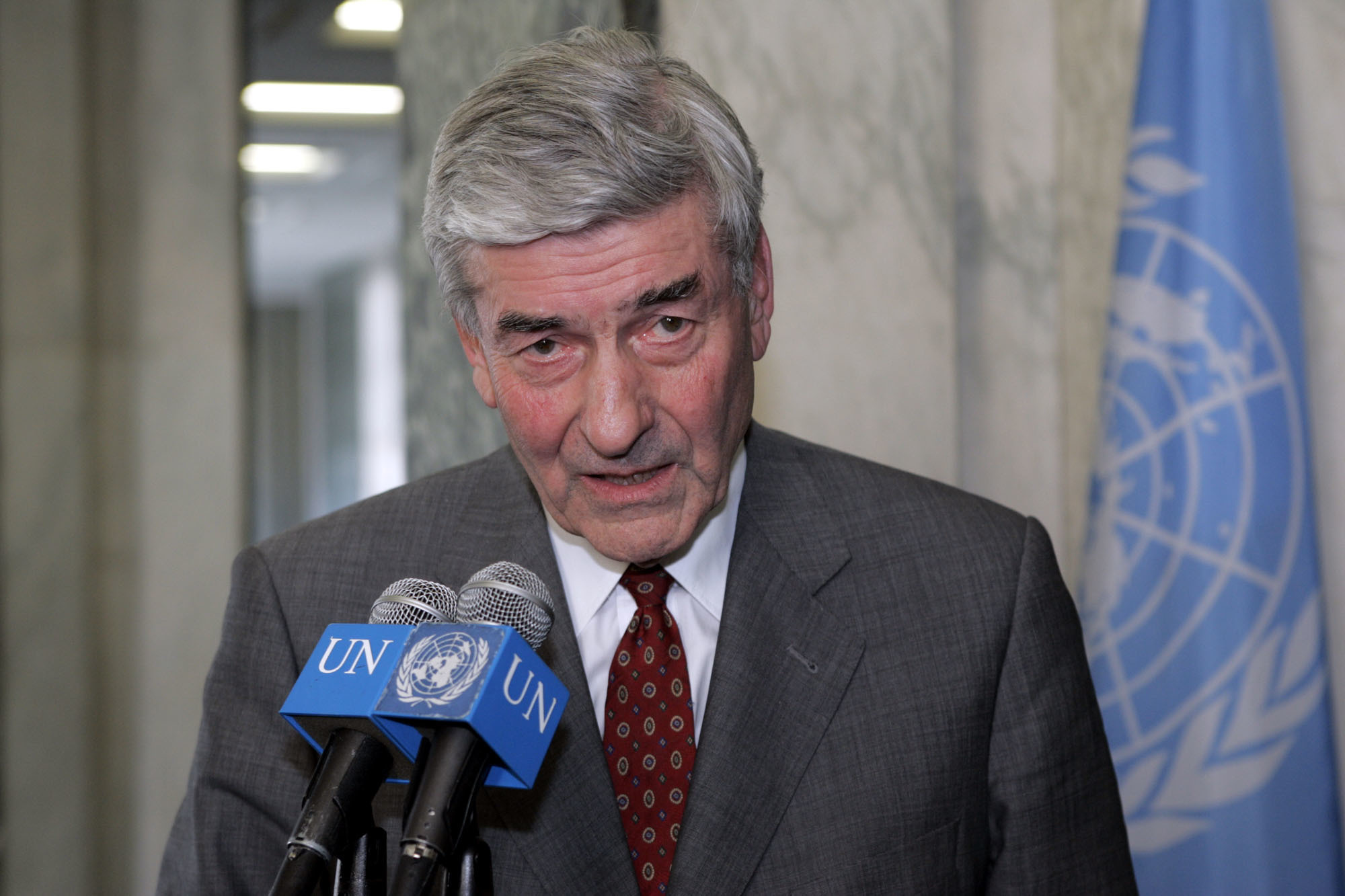 FILE - In this file photo dated Friday, Feb. 18, 2005, High Commissioner for Refugees Ruud Lubbers speaks to reporters at UN headquarters in New York.  Longest-serving Dutch premier, Lubbers who guided his country through economic turmoil to prosperity, a