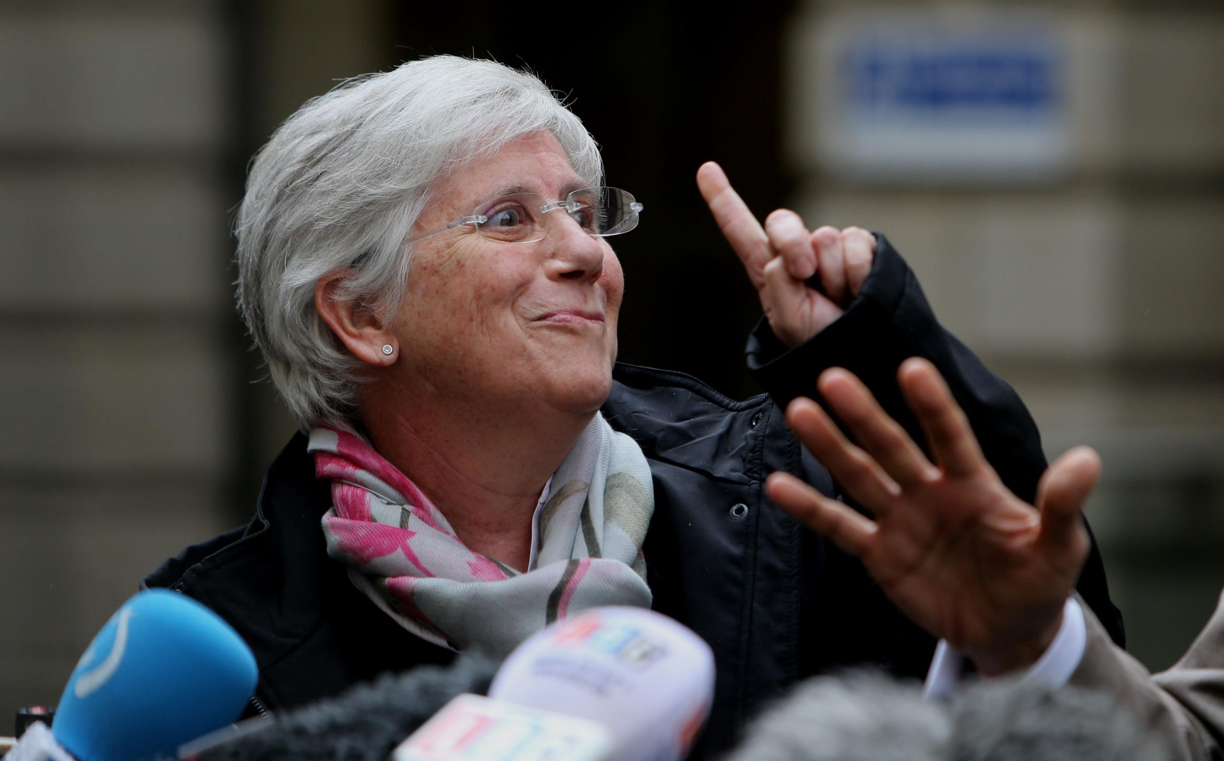 Former Catalan minister Clara Ponsatí greets the crowds in Edinburgh after being granted bail pending an extradition hearing this month. Picture: Gordon Terris.