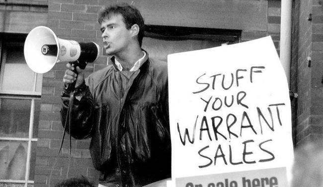 Tommy Sheridan leading a demonstration against warrant sales in 1991.