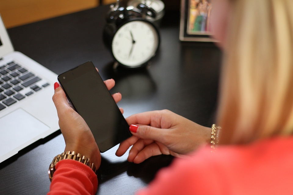 Schools which texted parents about homework found pupil results improved