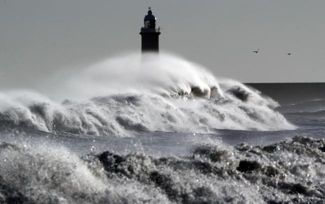 Tidal power and wave energy can create up to 30000 jobs scotland could reap the benefits of harnessing the power of the sea say experts malvernweather Image collections